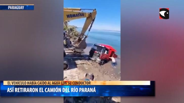 Así retiraron el camión del río Paraná